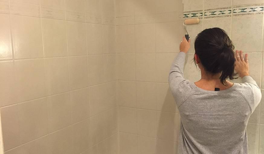 R novation studio notre astuce peinture du jour - Peinture carrelage salle de bain avis ...